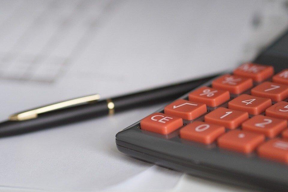 calculadora-caneta-como-investir-no-mercado-imobiliario